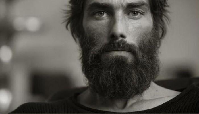huile de ricin barbe pour la faire pousser