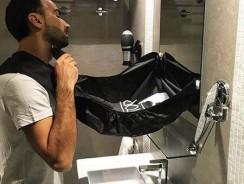 Exit la corvée de nettoyage du lavabo grâce au tablier barbe BARBoTOP